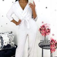 Hvid buksedragt med sløjfe
