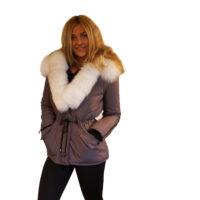 Koksgrå parka med ægte hvid pels